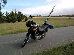 Resultado de imagen de pescador en una moto
