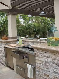 Countertop For Outdoor Kitchen Outdoor Kitchen Light Colored Quartz Countertop Google Search
