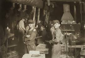 lewis hine child laborers in glasswork na 1908