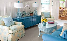 cottage beach furniture using a palette of vivid beach hues and a collection of classic cottage furniture to decorate and furnish this charleston bungalow beach cottage furniture coastal