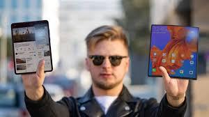 <b>Huawei Mate</b> X vs Galaxy Fold: кто круче? - YouTube