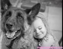 Resultado de imagen de niños abrazando a sus mascotas