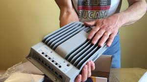 <b>EPEVER</b> Tracer <b>MPPT</b> 4215BN <b>40A solar charge</b> controller unboxing