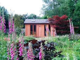 garden offices are a well established industry in the uk shedworking has some tips from lynn fotheringham of british garden office builderinsideout building a garden office