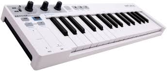 <b>Arturia KeyStep</b> – компактная и многофункциональная <b>MIDI</b> ...