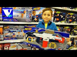 VLOG Магазин игрушек. NERF КРУТОЕ детское оружие! Gun toys ...
