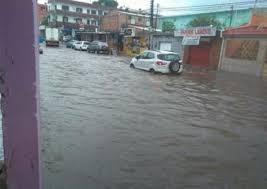 Chuva causa deslizamentos de barrancos e desabamento de muro em Manaus