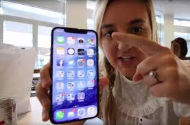Xuất hiện video trên tay iPhone X đầu tiên trước ngày lên kệ