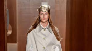 ALEXACHUNG Spring <b>2019</b> Ready-to-Wear Collection - <b>Vogue</b>