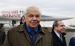 Скончался авиаконструктор Валентин Близнюк: Яндекс.Новости