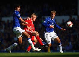 Dirk Kuyt Phil Neville Everton v Liverpool - Premier League - Everton%2Bv%2BLiverpool%2BPremier%2BLeague%2B9rsdewSUjV2m