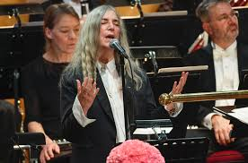 patti smith pens essay explaining bob dylan lyric flub at nobel patti smith pens essay explaining bob dylan lyric flub at nobel prize ceremony billboard