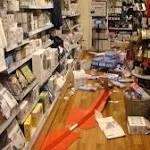 Jugendliche verwüsten Tchibo-Filiale und greifen Ladendetektive an