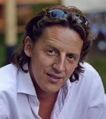 Darüber hinaus arbeitet Peter Veit seit über zehn Jahren als Atem-, Stimm- und Sprechtrainer. - Veit_Peter