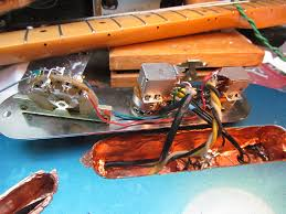 crawls backward when alarmed lollar el rayo cavalier twin lion i had gotten el rayo 4 conductor wiring so i could wire it a coil shunt switch and of course there are 2 taps on the cavalier pickup