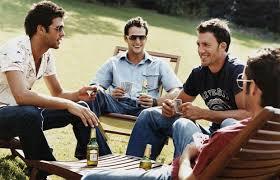 Resultado de imagem para imagem de homens bebendo