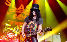 Slash gives update on new <b>Guns N</b>' <b>Roses</b> material