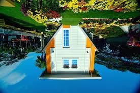 Hasil carian imej untuk 8) Rumah Terbalik