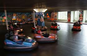 <b>Bumper cars</b> - Wikipedia