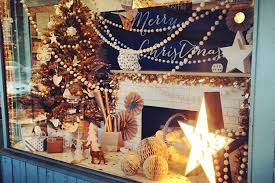 25 Creative Christmas Display Ideas & Examples