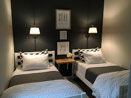 Small Bedroom For Two 17 Best Ideas About Two Twin Beds On Pinterest Corner Beds Room