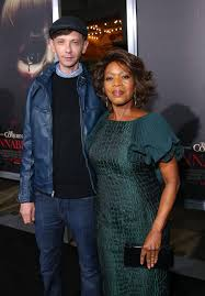 alfre woodard and dj qualls at event of annabelle large picture alfre woodard and dj qualls at event of annabelle large picture