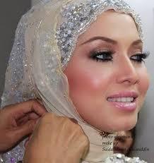 D.I.Y Tudung Arab Tutorial.... Salam... I fall in love wif this one! Cari tudung mcm ni tapi tak jumpa :( Korang yang bermasalah pipi tembam mcm aku ni ... - tudung%2B4
