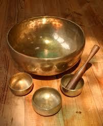 Поющая чаша. Магия. Как поют тибетские чаши. Очищение от негатива. Видео. Фото.   Images?q=tbn:ANd9GcT8e81AlTdexeARk-D2etmlJlwwsIUT9EXl_F9TRQAV-ejSSGpO