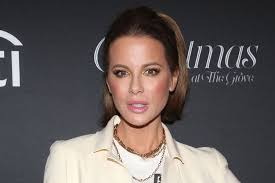 Kate Beckinsale's in Shiny <b>Black</b> Pumps at <b>Christmas</b> at The Grove ...