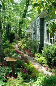1000 ideas about side garden on pinterest gardening services gardening and hillside garden bedroommagnificent lush landscaping ideas