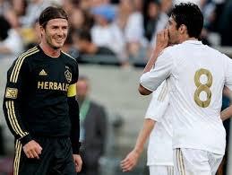 Real Madrid bantai LA Galaxy 5-1 - Berita
