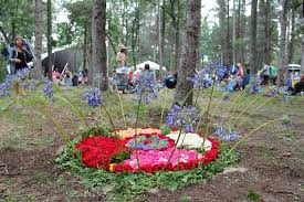 winnipeg folk festival a tradition of diverse music photo essay art installations pepper the festival grounds like this fresh flower piece at the brand new stage little stage in the forest
