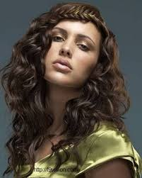 cute easy long thick curly hairstyle