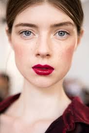 Красная <b>помада для</b> брюнеток: лучшие цвета и как правильно ...