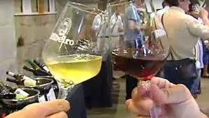 Resultado de imagen de imagen  copa de vino  de ribeiro