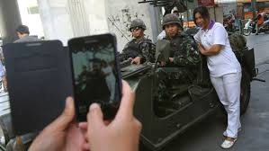 Gambar Selfie Rampasan Kuasa Thailand