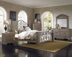 bedroom set main:   timbercreekmainlge