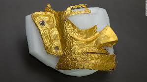 Sanxingdui: Archaeologists discover 3,000-year-<b>old gold</b> mask in ...