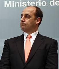El Consejo de Ministros ha informado este viernes de que el Secretario de Estado de Seguridad, Ignacio Ulloa, renuncia a su cargo apenas un año después de ... - 1357902807_extras_ladillos_1_0