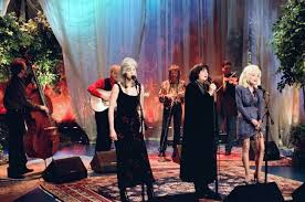 <b>Dolly Parton</b>, <b>Linda Ronstadt</b> and Emmylou Harris Release 'Trio' Box ...