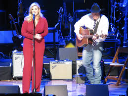 nashville music archives page of americana music news trisha yearwood and garth brooks perform in honor of the oak ridge boys