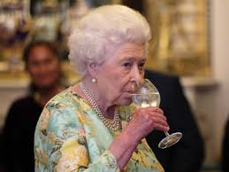 The Queen of England Enjoys Four Cocktails Every Day