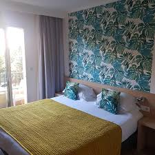 Hotel <b>Le Petit Prince</b>, Sainte-Maxime, France - Booking.com