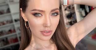 Анастасия Костенко носит <b>платье</b> за 890 рублей | StarHit.ru