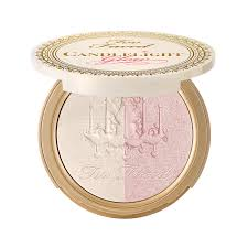 <b>Too Faced Candlelight Glow</b> Highlighting Powder Reviews 2019