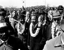 the life and legacy of martin luther king jr shareamerica martin luther king leading throng of ers across bridge copy ap images