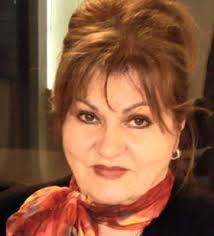 Nadira Avdić Vllasi, uručuje joj se priznanje PREDSJEDNIČKA MEDALJA ZA ZASLUGE za doprinos dat na polju obrazovanja i kulture. - nadira_avdic_vllasi