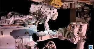 Despite problems, spacewalkers complete major tasks - CBS News