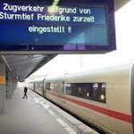 """Bahn stellt wegen Orkan """"Friederike"""" bundesweit Fernverkehr ein"""