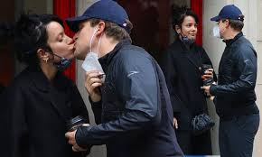 Newlyweds <b>Lily Allen</b> and David Harbour share a kiss in New York ...